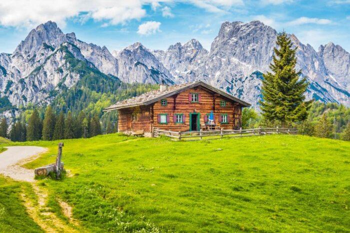 hut to hut trekking dolomites