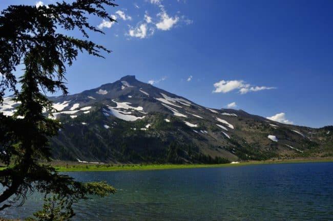 green lakes hike near bend oregon