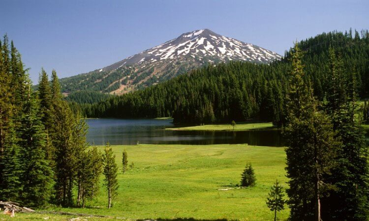best hikes near bend oregon